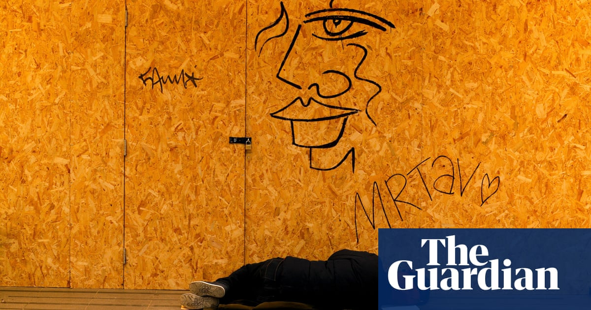 Keep England rough sleeping scheme or face surge, ministers told