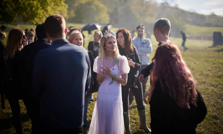 Wolf Alice chatting to the crew.