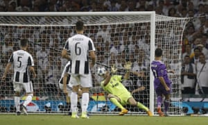 Cristiano Ronaldo scores his second and Real Madrid's third goal.