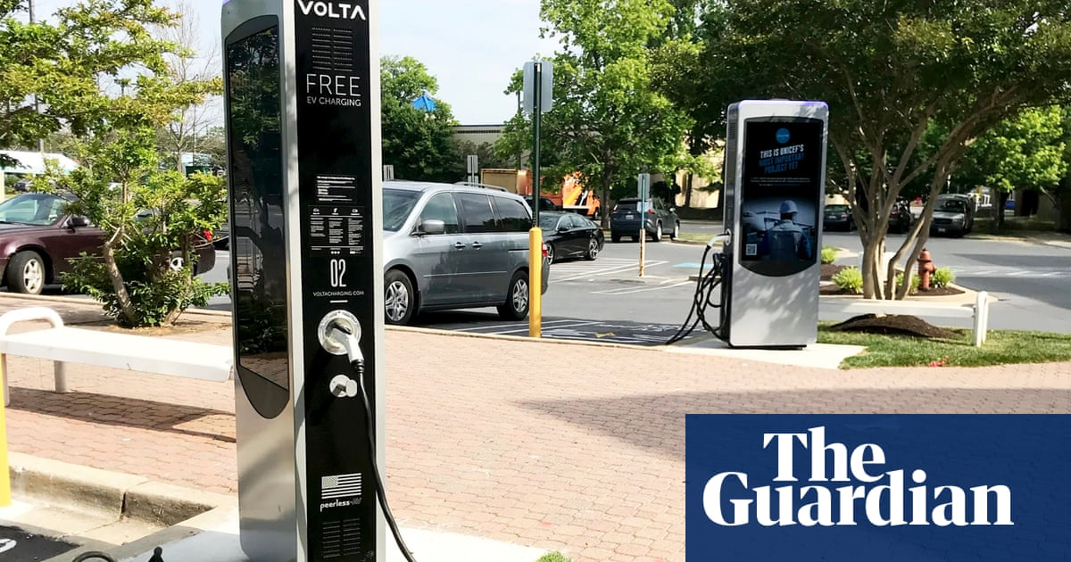 Biden sets goal for 50% of new US vehicles to be electric by 2030