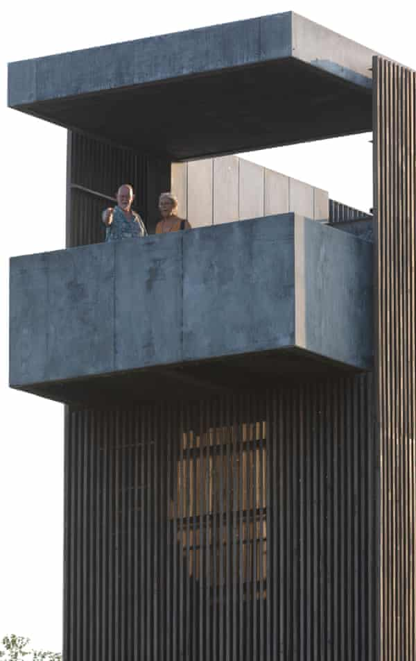 New observation tower with cube balcony