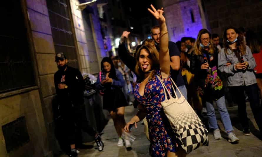 Alleyways in the Born district of Barcelona were packed with revellers late on Saturday night.