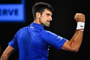 Djokovic wins the second set 6-2.