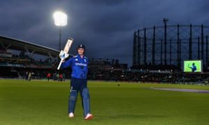 Jason Roy soaks up the applause as he leaves the field after scoring 162 runs.