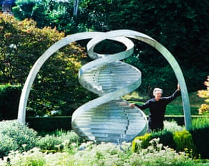 Jencks in The Garden of Cosmic Speculation
