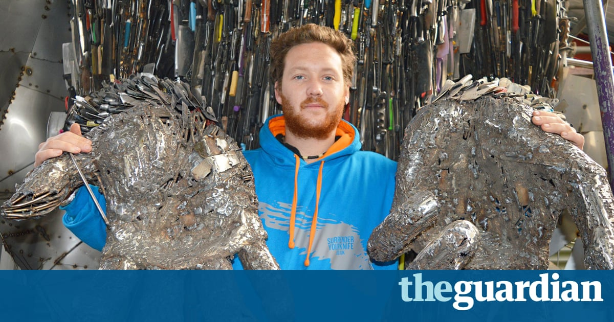 Knife Angel Made From Seized Blades Divides Opinion Art - Artist makes angel sculpture from more than 100000 confiscated weapons