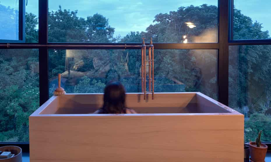 The bath tub, with a 180-degree view over south London.
