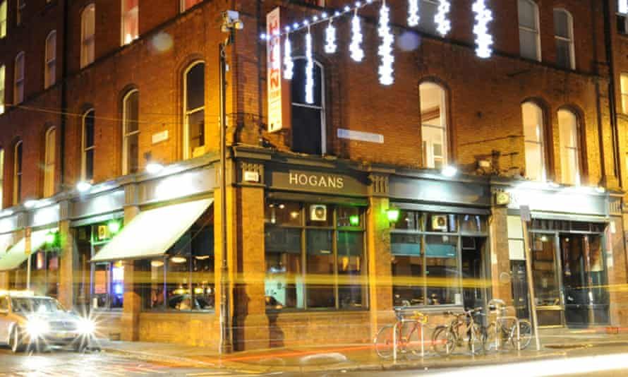 The exterior of Kelly's Hotel in Dublin; Hogan's Bar is on street level