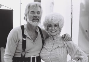 Kenny Rogers and Dolly Parton on the set of a video shoot in 1984