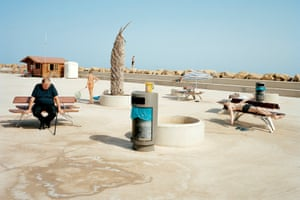 In Torrevieja a concrete platform allows easy access to the sea