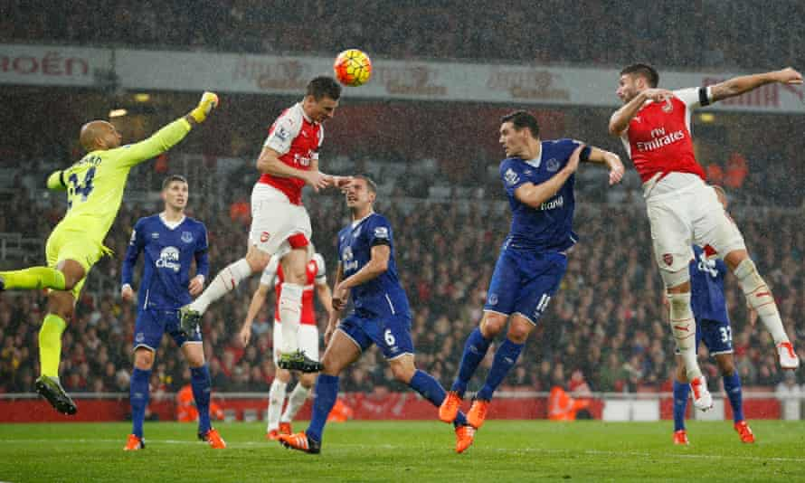 Arsenal, here scoring their second goal against Everton through Laurent Koscielny, host Manchester City on 21 December.