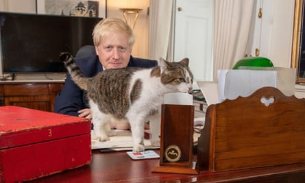 Boris Johnson with the resident Downing Street cat, Larry
