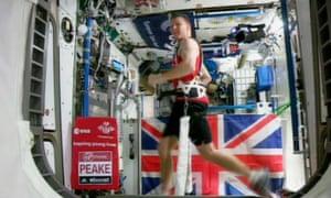 Tim Peake runs the London Marathon at the International Space Station