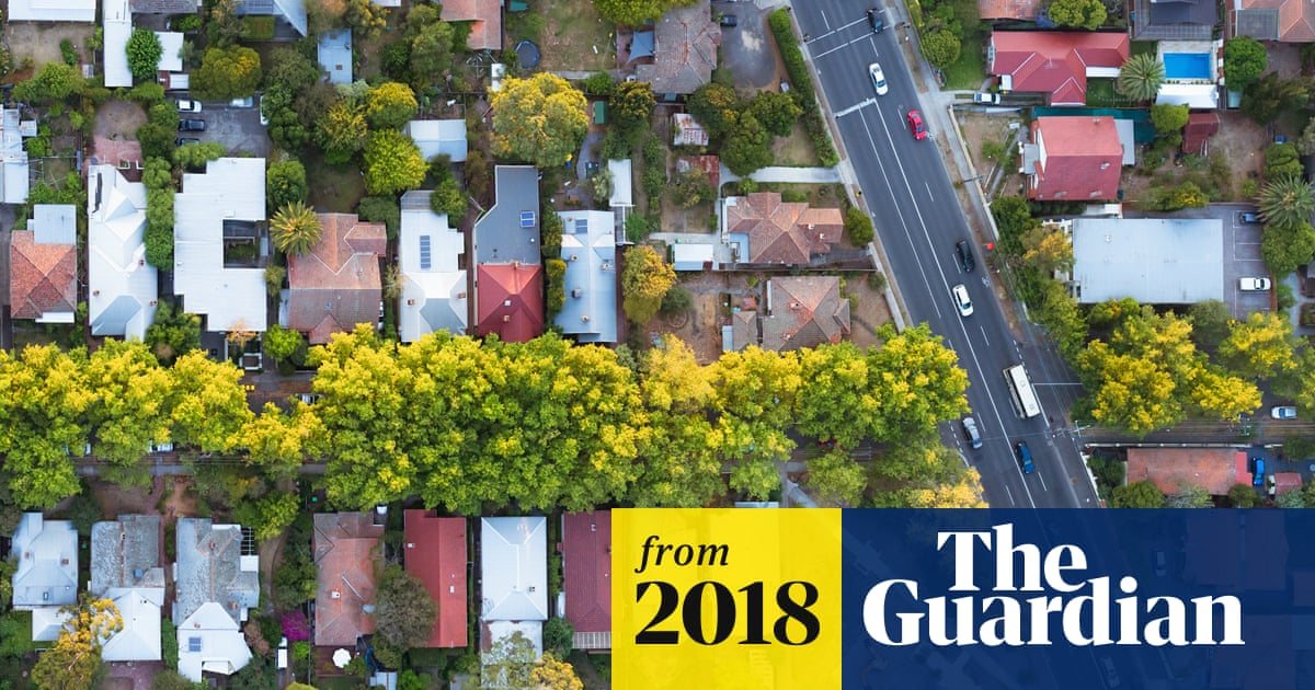 Australians told to expect 'longest and deepest' housing