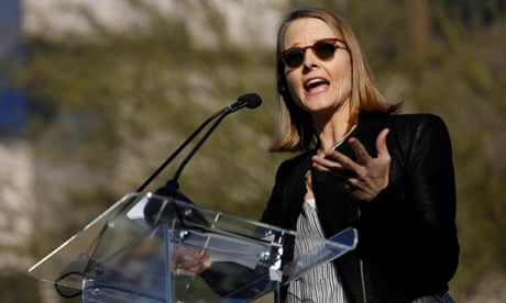 Jodie Foster tells US travel ban rally: 'It is our time to resist'