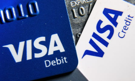 Visa card users are currently experiencing problems with chip and pi9n transactions.