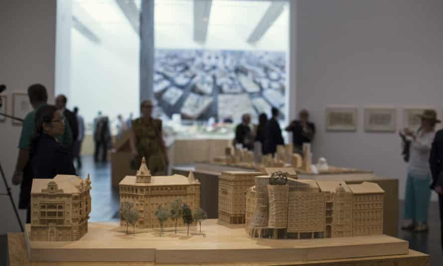 A scale model of the Nationale-Nederlanden building.