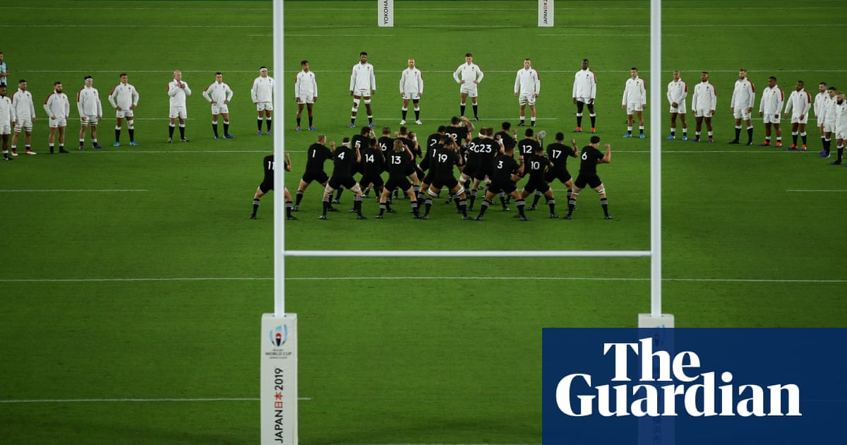 England fined for V-shaped formation facing New Zealand's haka
