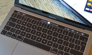 9307bd2fe18 Apple aims to appease customers with free MacBook keyboard repairs ...