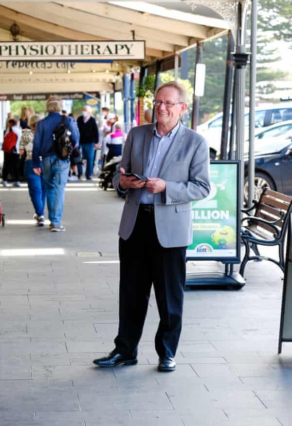 Gary Lockett, Port Fairy real estate agent.