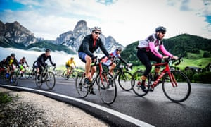 Temperatures and conditions can vary considerably on the Maratona dles Dolomite.