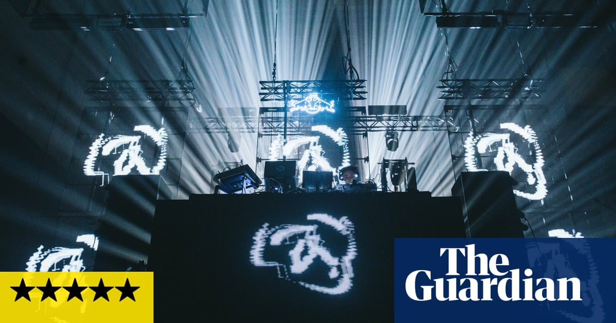 Aphex Twin review – wild lights, jungle buzzsaw and a boo for Boris