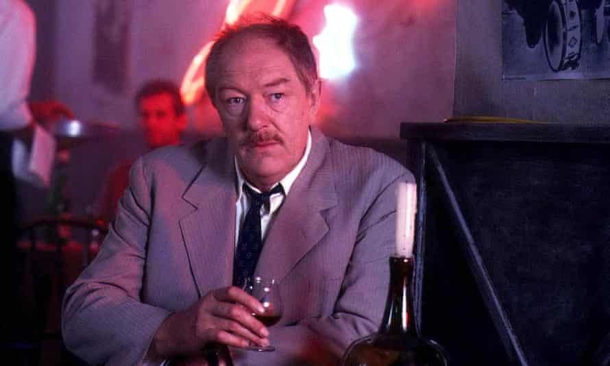 Michael Gambon as Maigret in 1993.