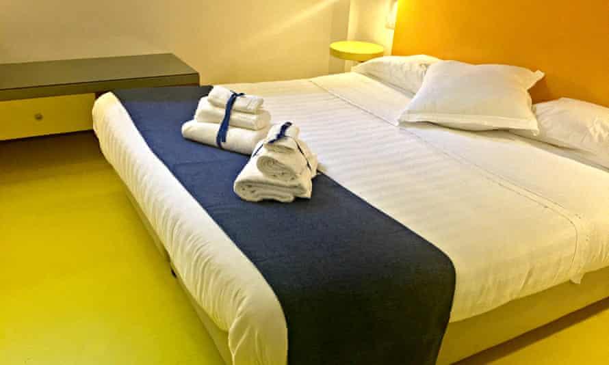 Hotel Correra 241, Naples 01. SLIDE1