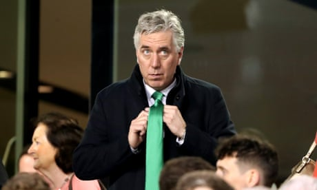 Book that bursts John Delaney's FAI bubble deserves champagne treatment | Barry Glendenning