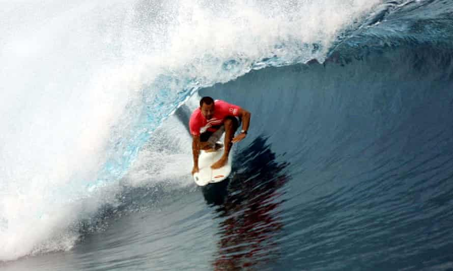 Sunny Garcia competing in Tahiti in 2001