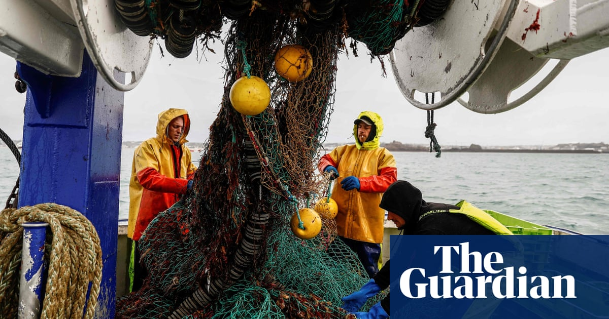EU member states to issue joint warning to UK over reduced fishing rights