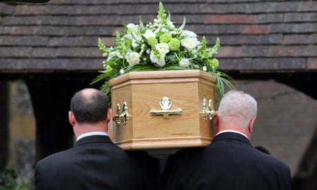 How to organise a funeral without paying unnecessary costs
