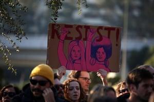 'Resist' sign in Lisbon