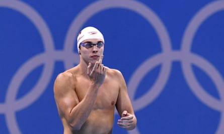 Santo Condorelli gives his dad the finger before the 50m freestyle semi-final at Rio.