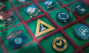 Retro pin badges.