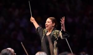 Dalia Stasevska conducts the BBCSO at Prom 25.