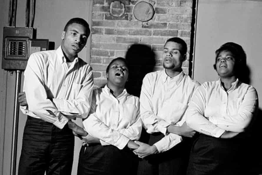 Rutha Mae Marris (right) with the Freedom Singers at the Caffè Lena in Saratoga Springs, New York, in 1963.