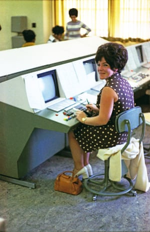 A Bell Labs worker at a data terminal