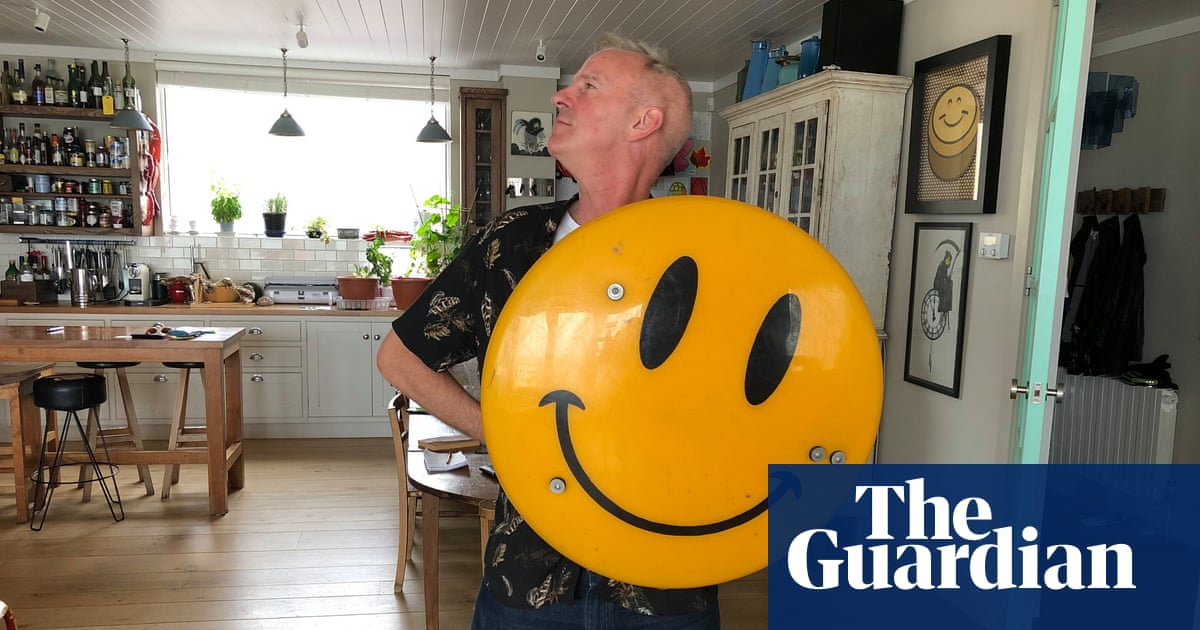 It's not Emoji: Fatboy Slim Launches Smiley Show | Art and