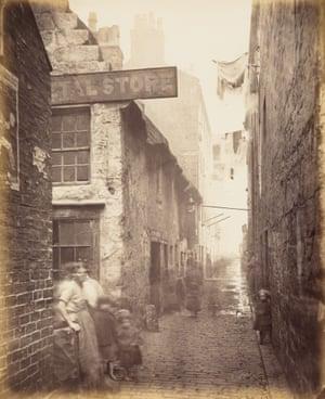Close, No. 101 High Street, 1868 - 1871