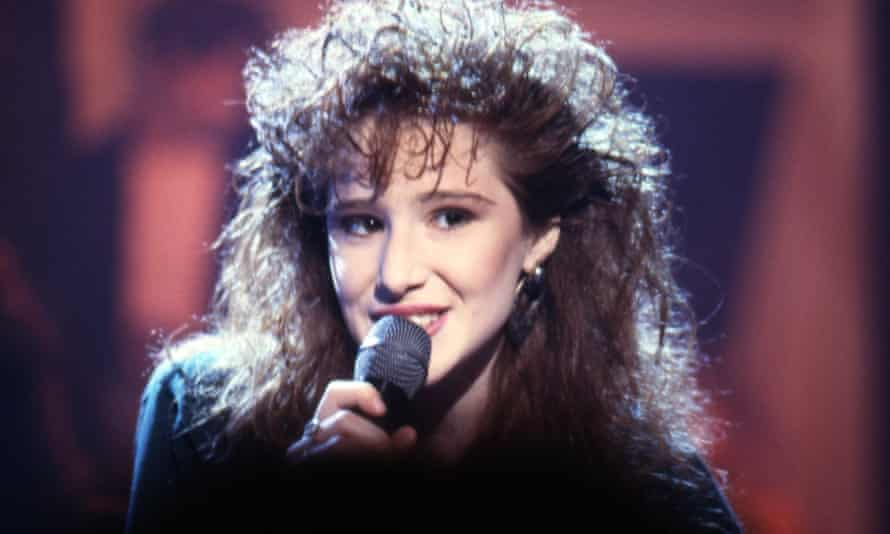 Tiffany performing on TV in 1987.