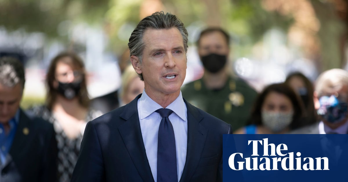 'What is going on?': California governor speaks after nine people killed in shooting – video