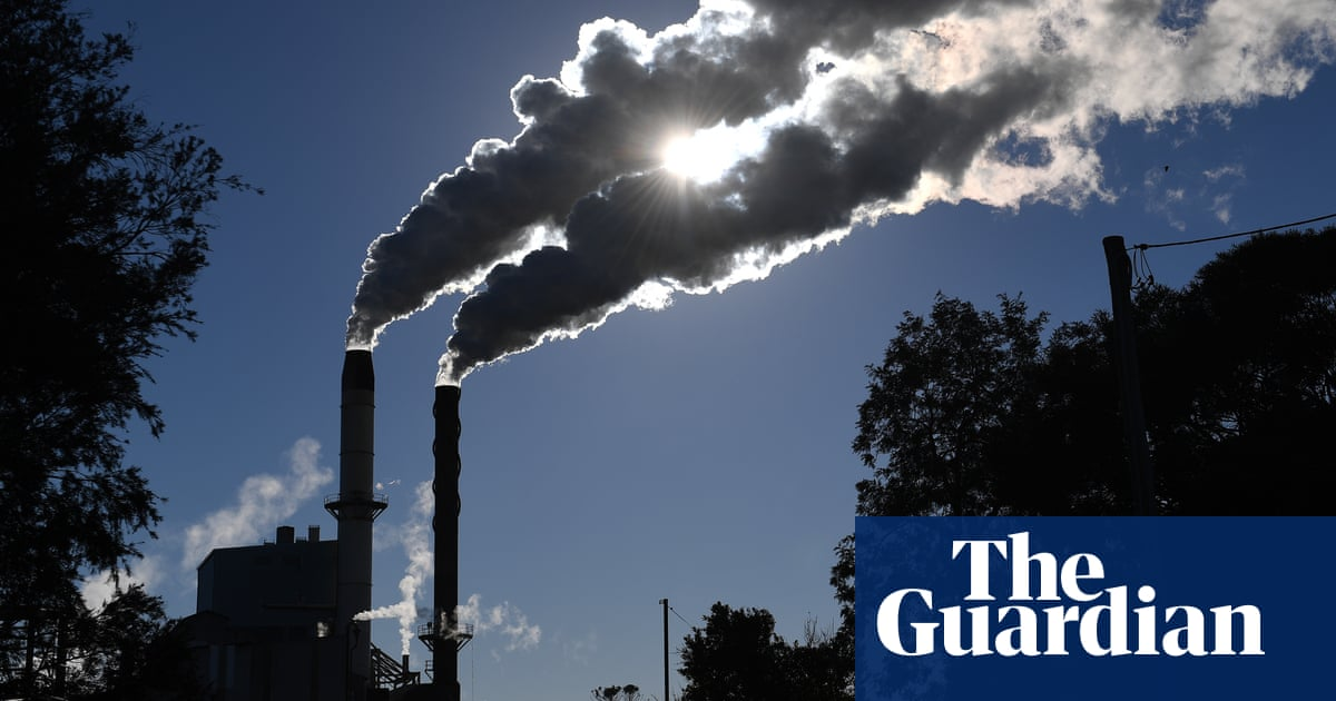 Climate poll shows Morrison politically vulnerable as more voters back action