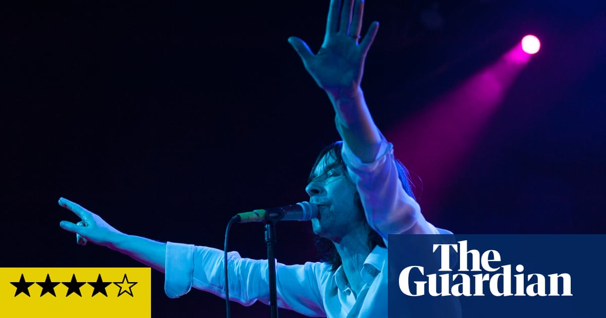 Primal Scream review – Bobby G's barmy army earn Glasgow kiss