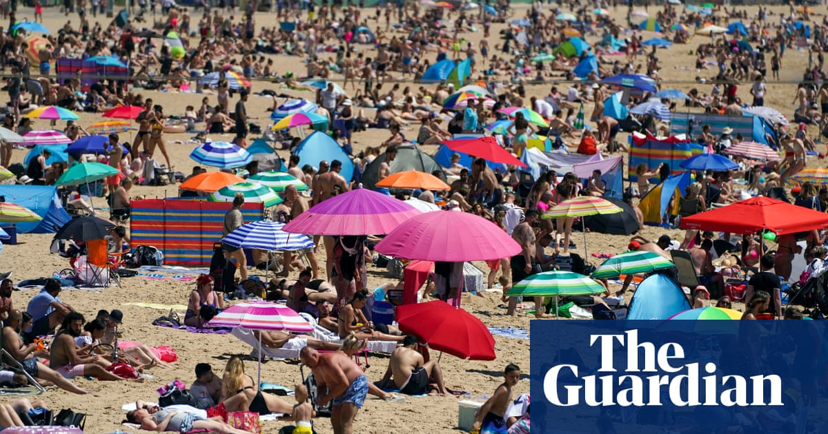 UK weather: hottest day of year so far as temperature hits 28.6C