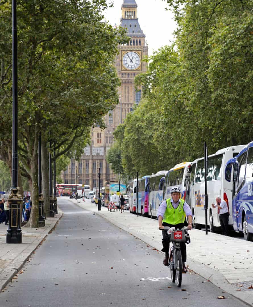 Embankment's cycle path
