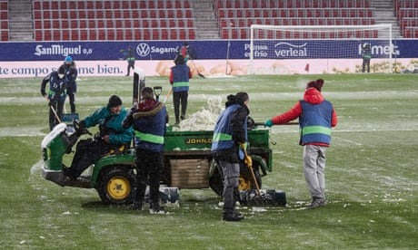 Real Madrid freeze at Osasuna as snow brings much of Spain to a halt | Sid Lowe