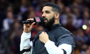 Drake, who has broken another US chart record.