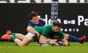 Robbie Henshaw scores a superb individual try for Ireland.