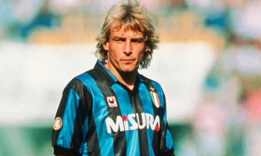Jürgen Klinsmann playing in a Milan .